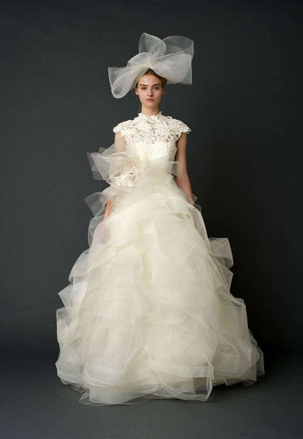 vera wang wedding dress tulle bow Wedding Dresses by Vera Wang Spring Collection 2012