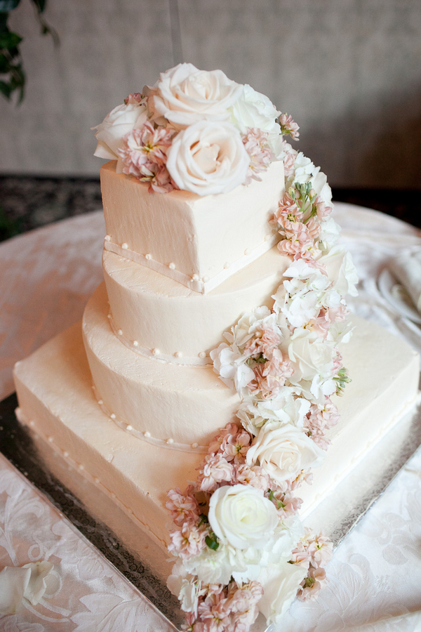 Casual Elegant Wedding Cake