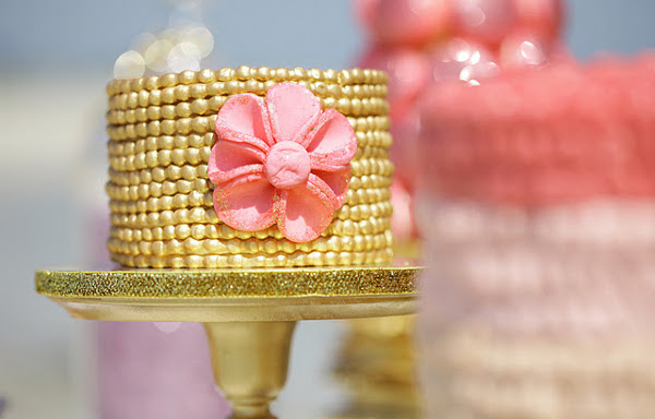 Gold Cake Pink Flower Feature