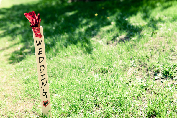 Traditional Wedding Lawn Sign