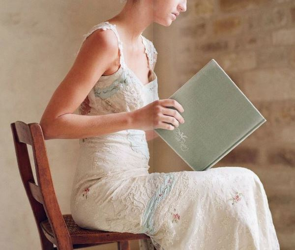 Claire pettibone french vintage inspired wedding dresses for Vintage wedding dresses paris