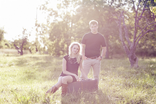 engagement photography outdoor theme Engagement Session Theme Ideas: On Safari