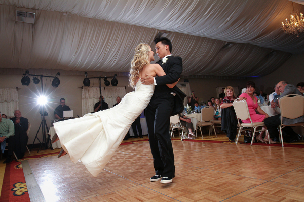 Wedding Couple Dancefloor Moves