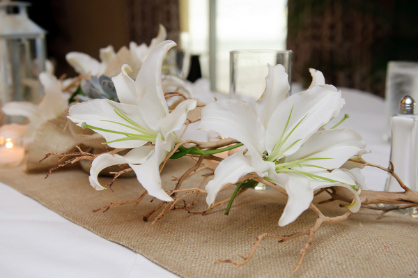 Burlap White Flowers Wedding Table