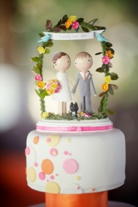 Cute Bride and Groom Cake Topper