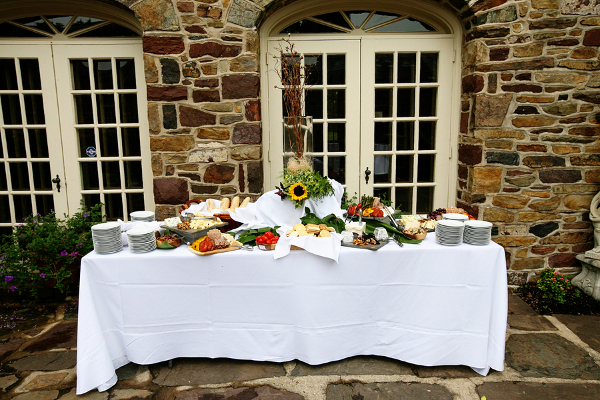 Garden Wedding Buffet Ideas How To Account For Guests With Special Tary Needs Car