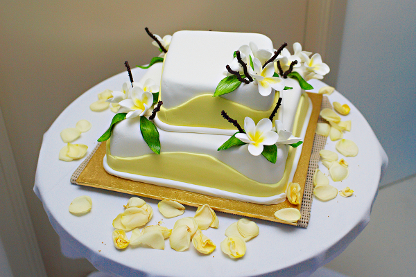 Yellow and White Beach Wedding Cake