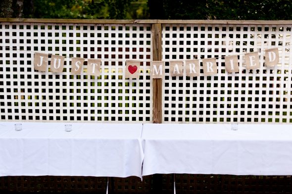 DIY Vintage Garden Wedding Banner