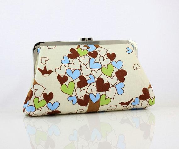 Retro Heart Pattern Clutch