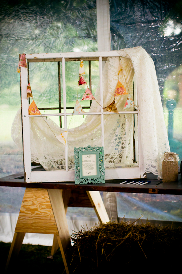 Rustic Chic Wedding Decor