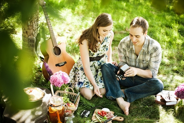 styled picnic shoot Picnic Style Engagement Inspiration Shoot by Kunio Photography