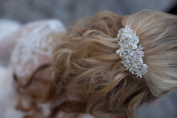 Winter Wedding Bride Hairpiece Ideas