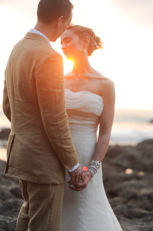 costa rica destination wedding couple Eco Friendly Costa Rica Wedding by Comfort Studio