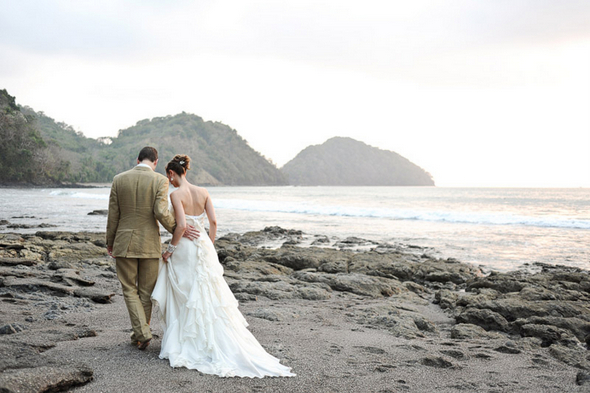 costa rica wedding photography Eco Friendly Costa Rica Wedding by Comfort Studio