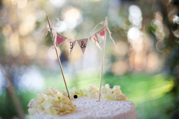 vintage burlap banner cake topper Vintage DIY Wedding by Studio Vérité Photography