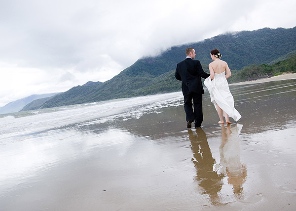 port douglas beach wedding {Guest Post} Five Tips for a Tropical Beach Wedding