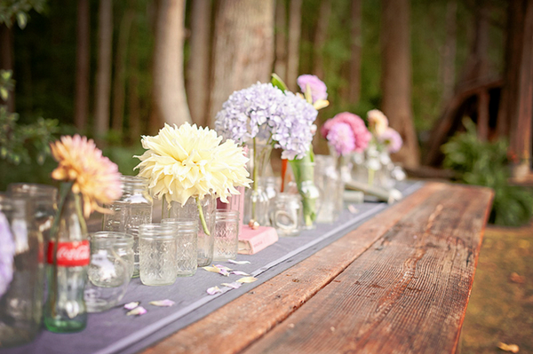 Pretty DIY Wedding Table with Bottles