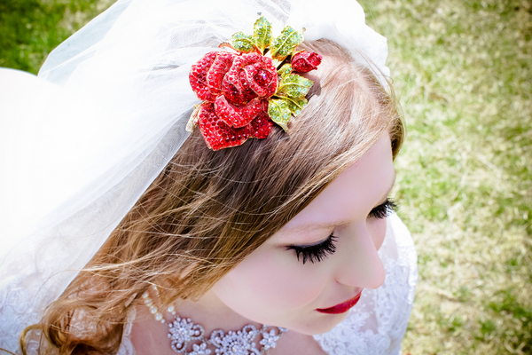 snow white inspired bridal hairpiece Snow White Inspired Wedding Shoot by Cathy Lee Photography