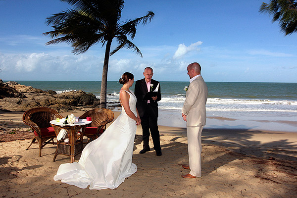 thala beach lodge wedding {Guest Post} Five Tips for a Tropical Beach Wedding