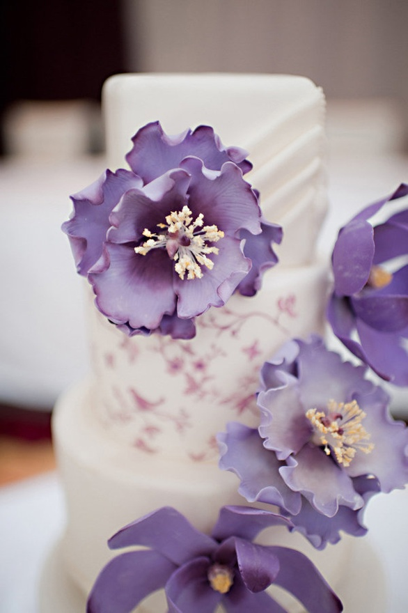 Cake Inspiration Vera Wang Inspired Wedding Cake With Purple Flowers