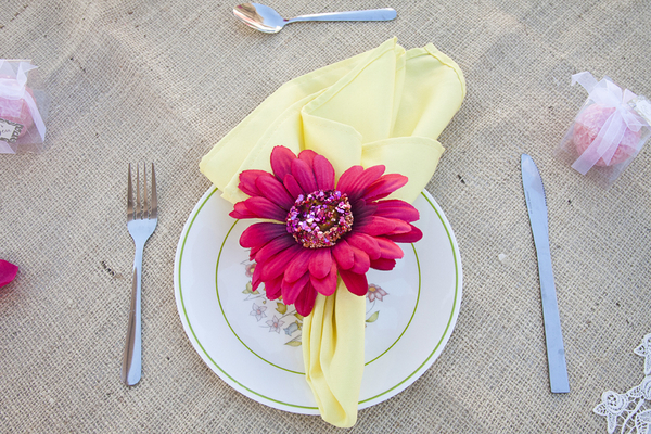DIY Garden Wedding Place Setting